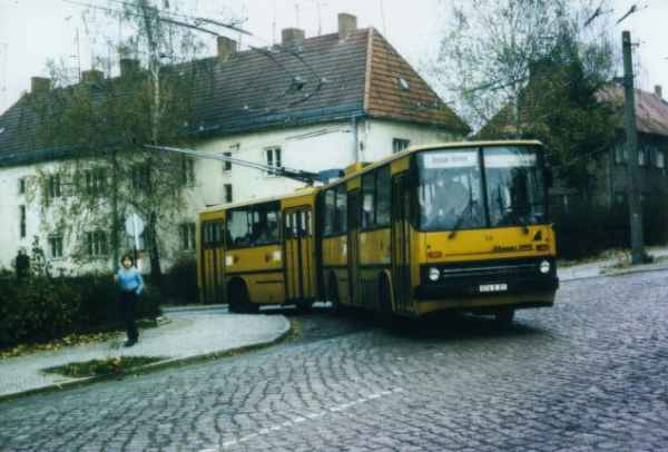 Articulated trolleybus no. 20(II) of the Hungarian type Ikarus 280.93 (out of service)