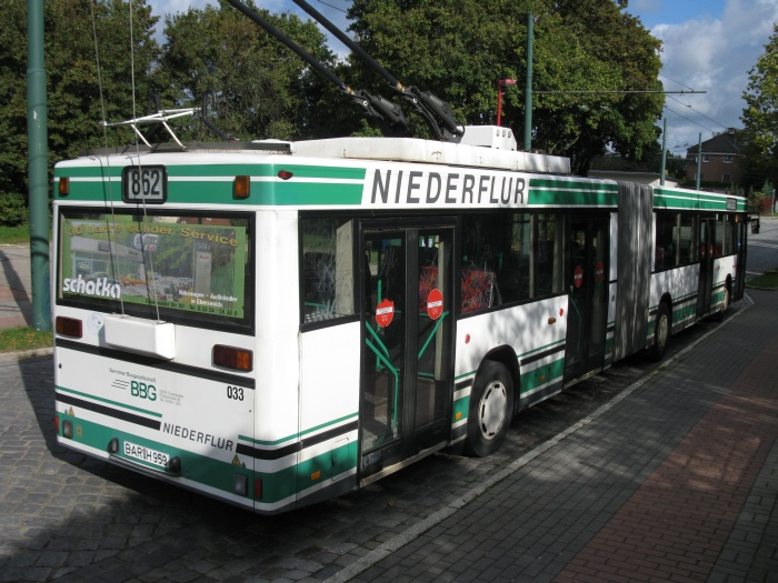 Articulated trolleybus no. 033 of the Austrian type ÖAF Gräf & Stift NGE 152 M17