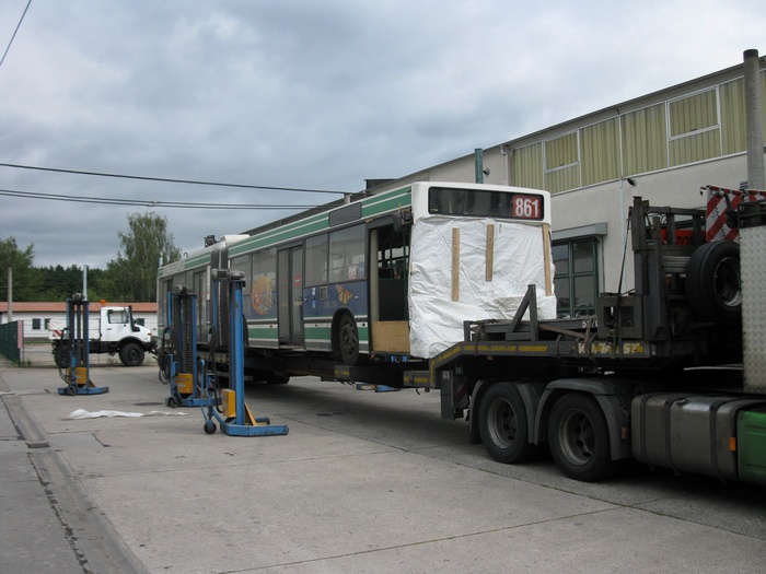 On 25 July 2011 was the articulated trolleybus no. 039 of the Austrian type ÖAF Gräf & Stift NGE 152 M17 shipped on a Dutch flat bed trailer.